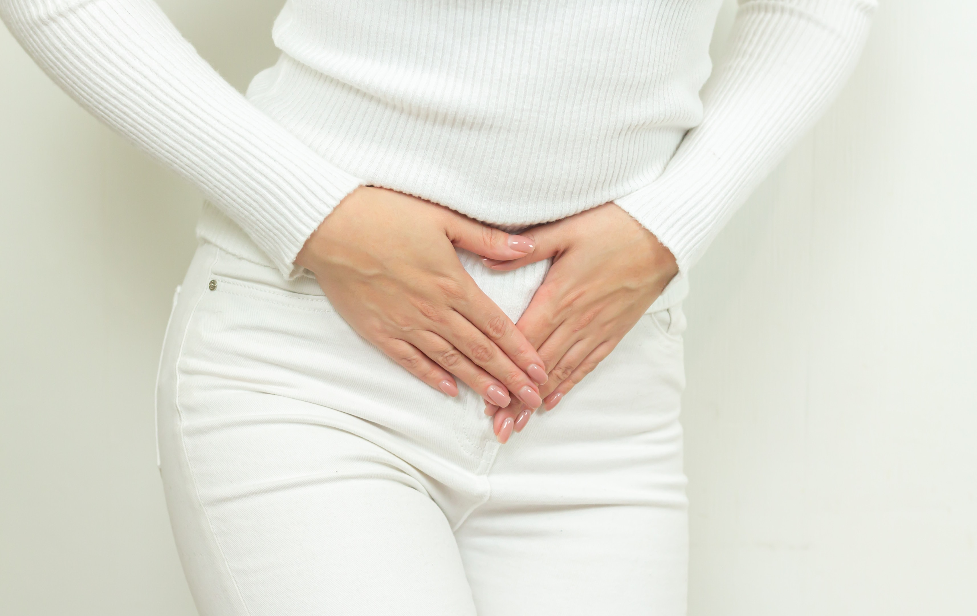Abdominal pain young woman