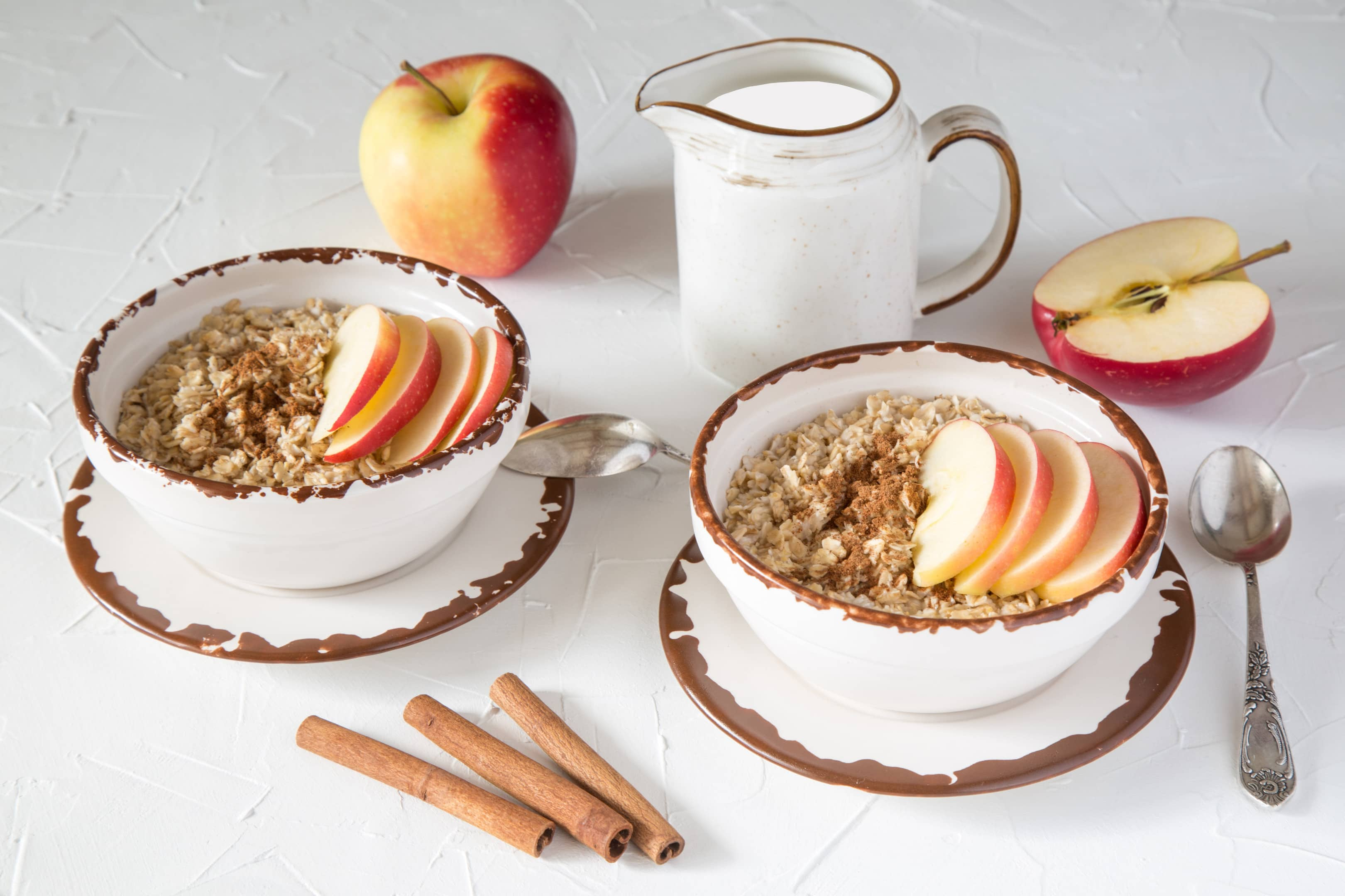 Rich fiber diet oatmeal with apple cinnamon and milk