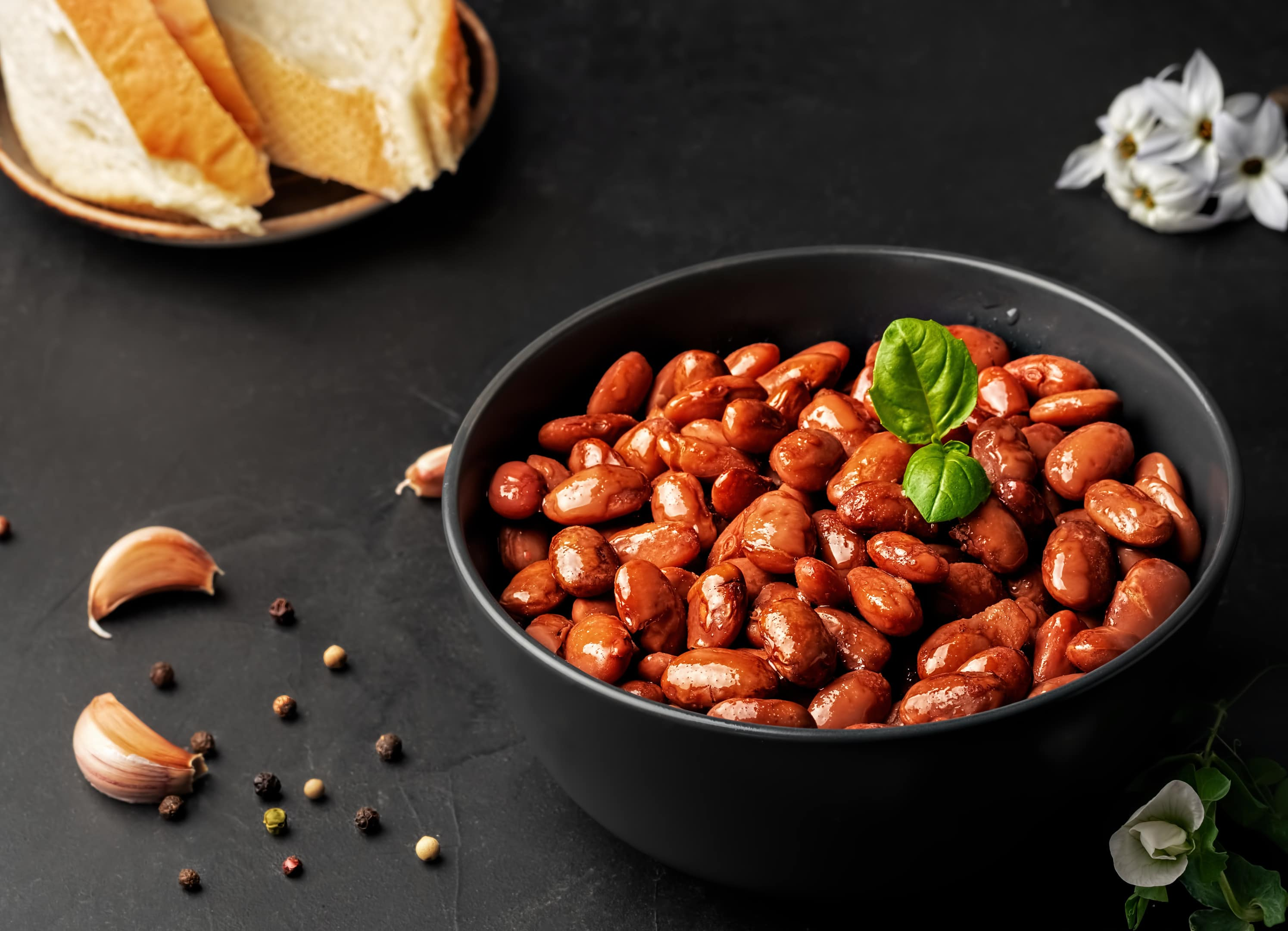 Boiled red beans with basil leaves