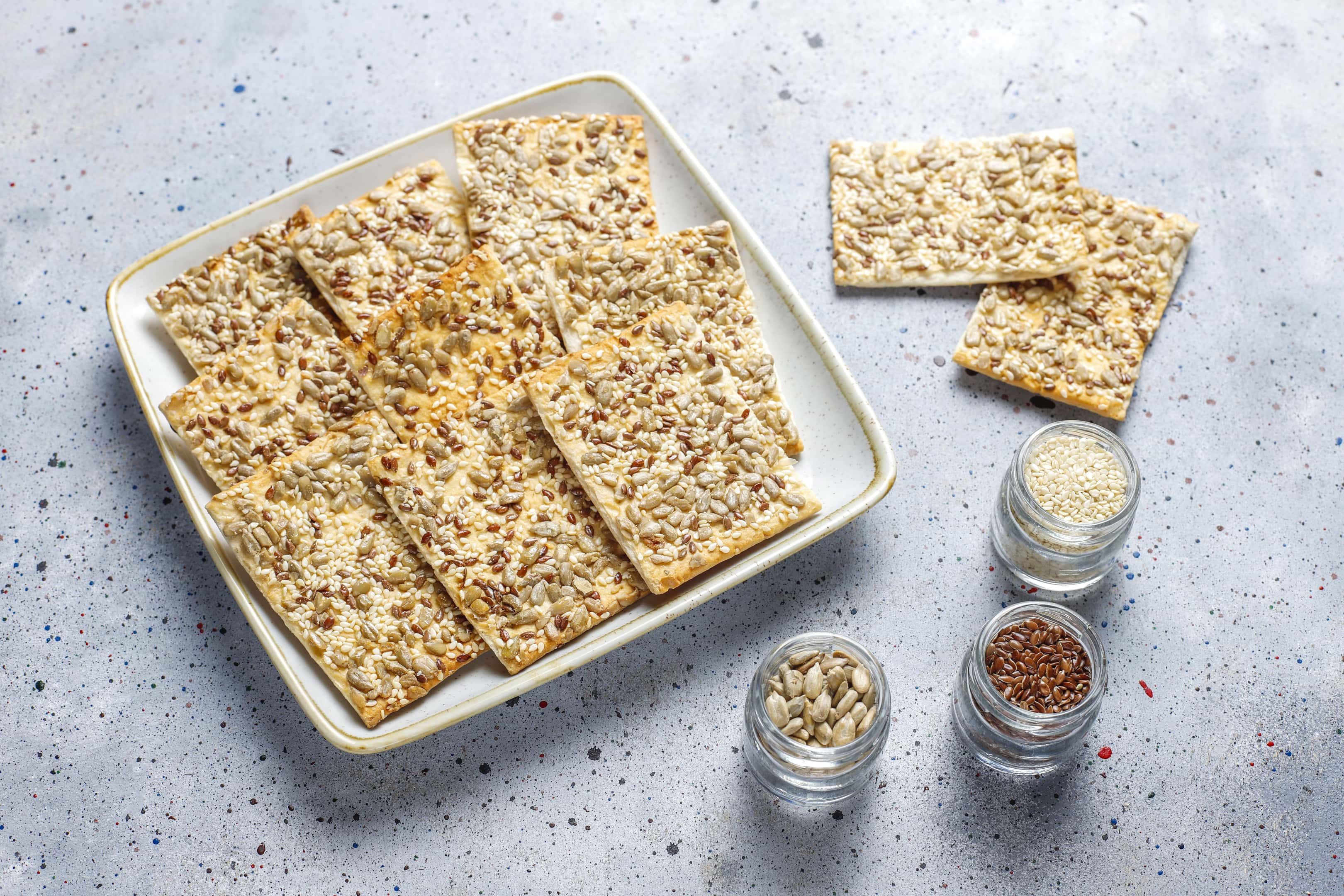 Crackers with flax, sesame and sunflower seeds