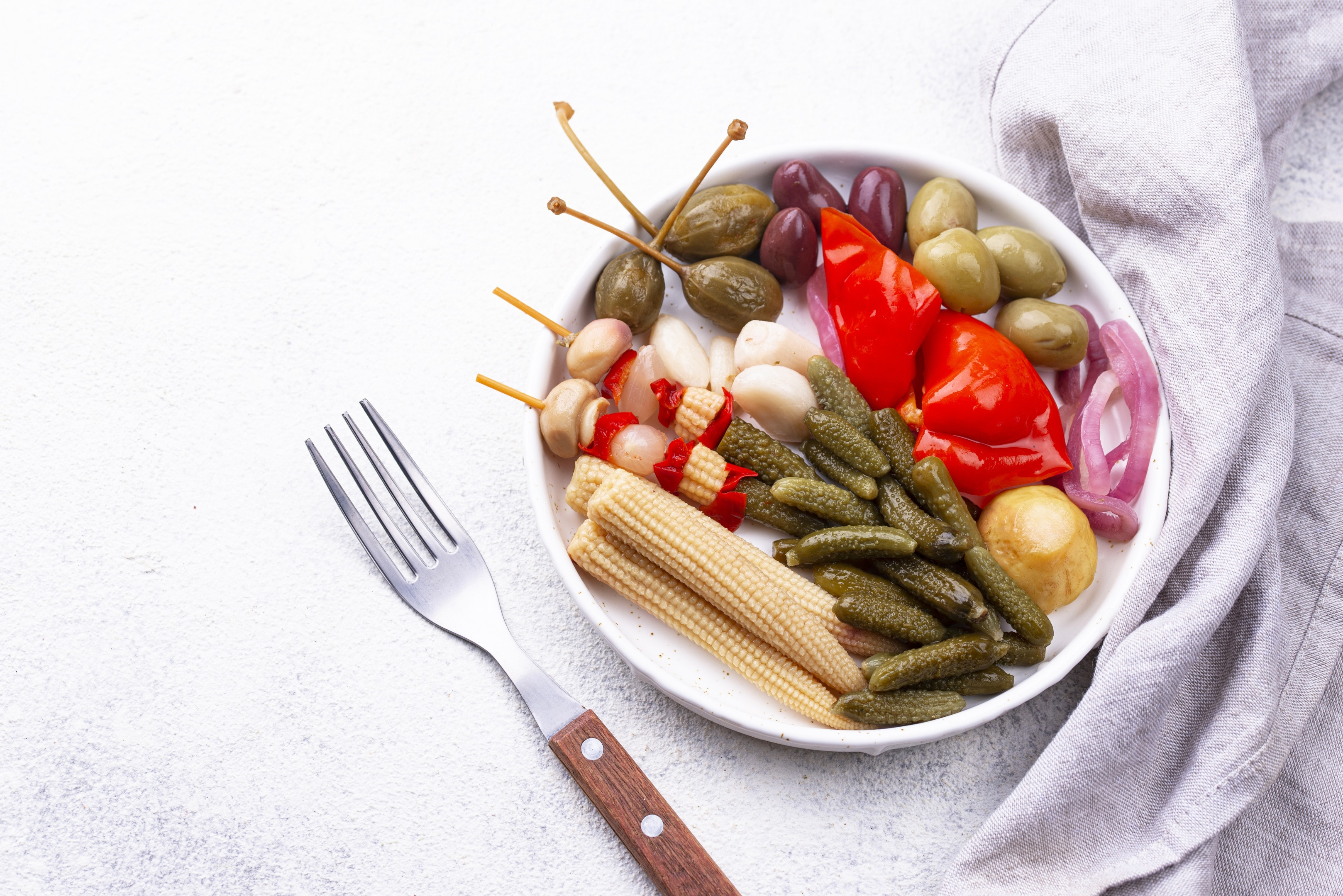Fermented corn and other vegetables are glucosamine food sources