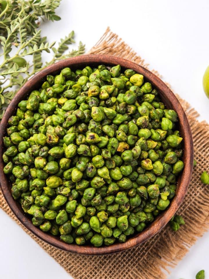 Roasted green chickpeas bhuna harbara in a bowl